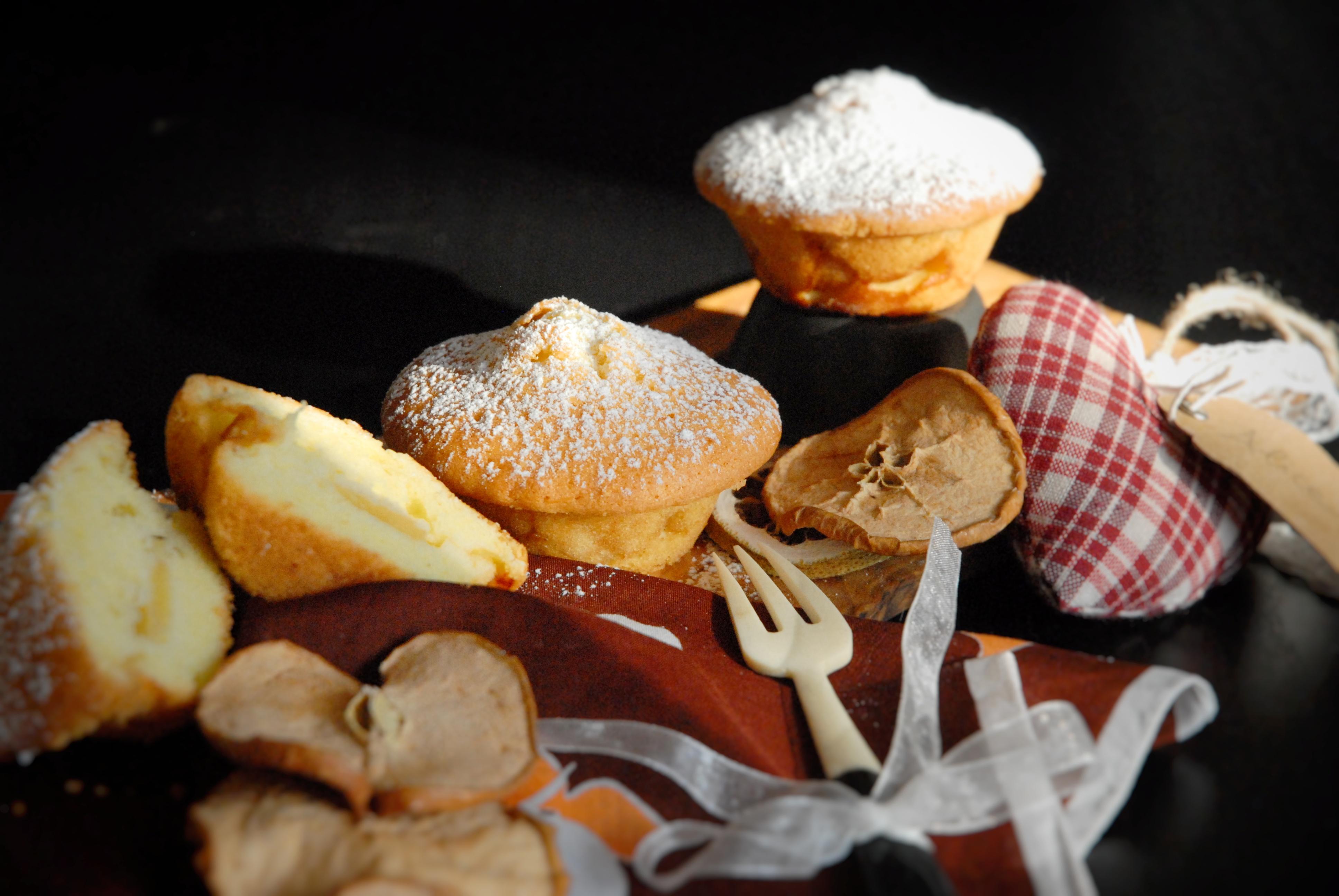 Tortine di mela montate al Marsala