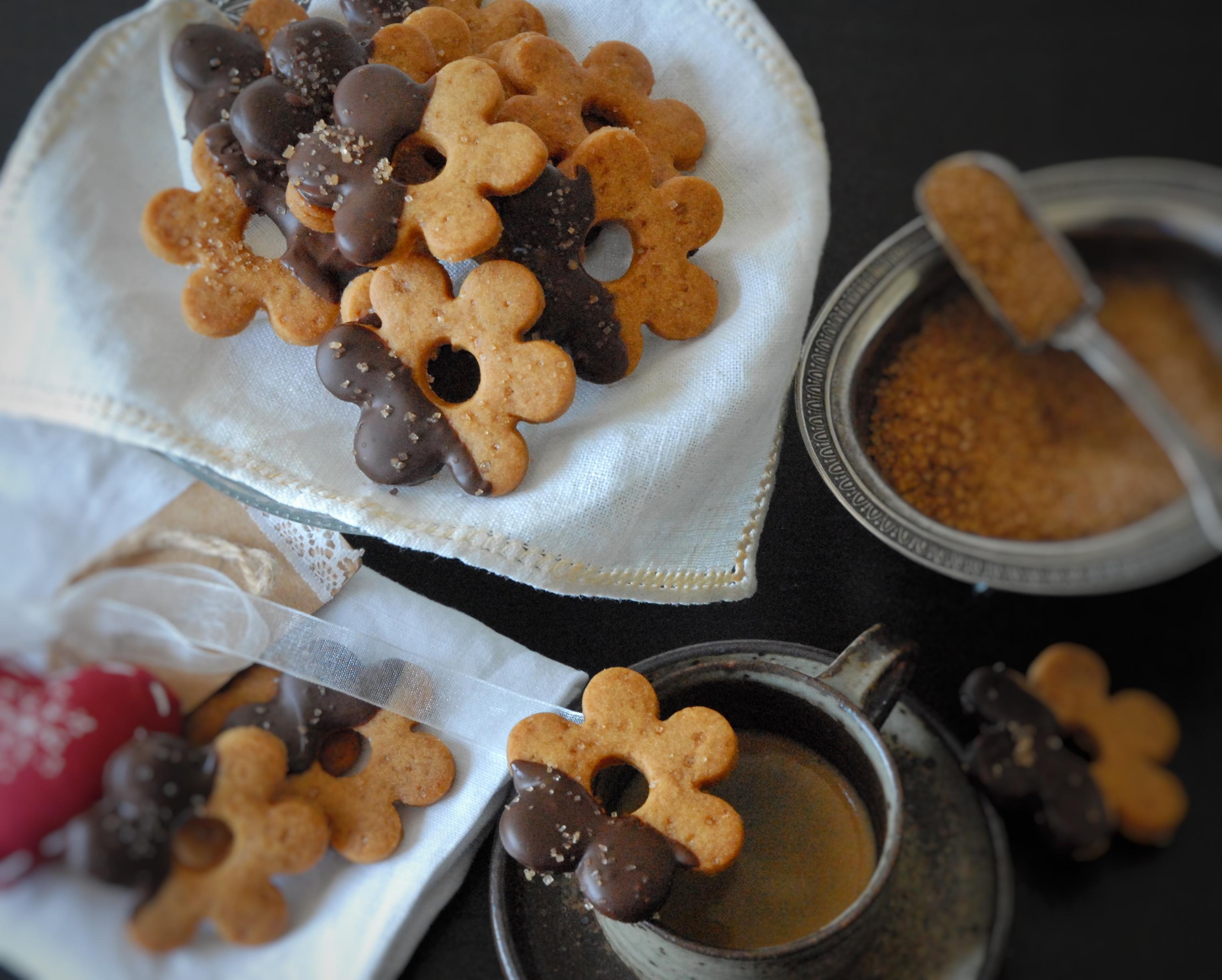 Biscotti al caramello con cioccolato fondente