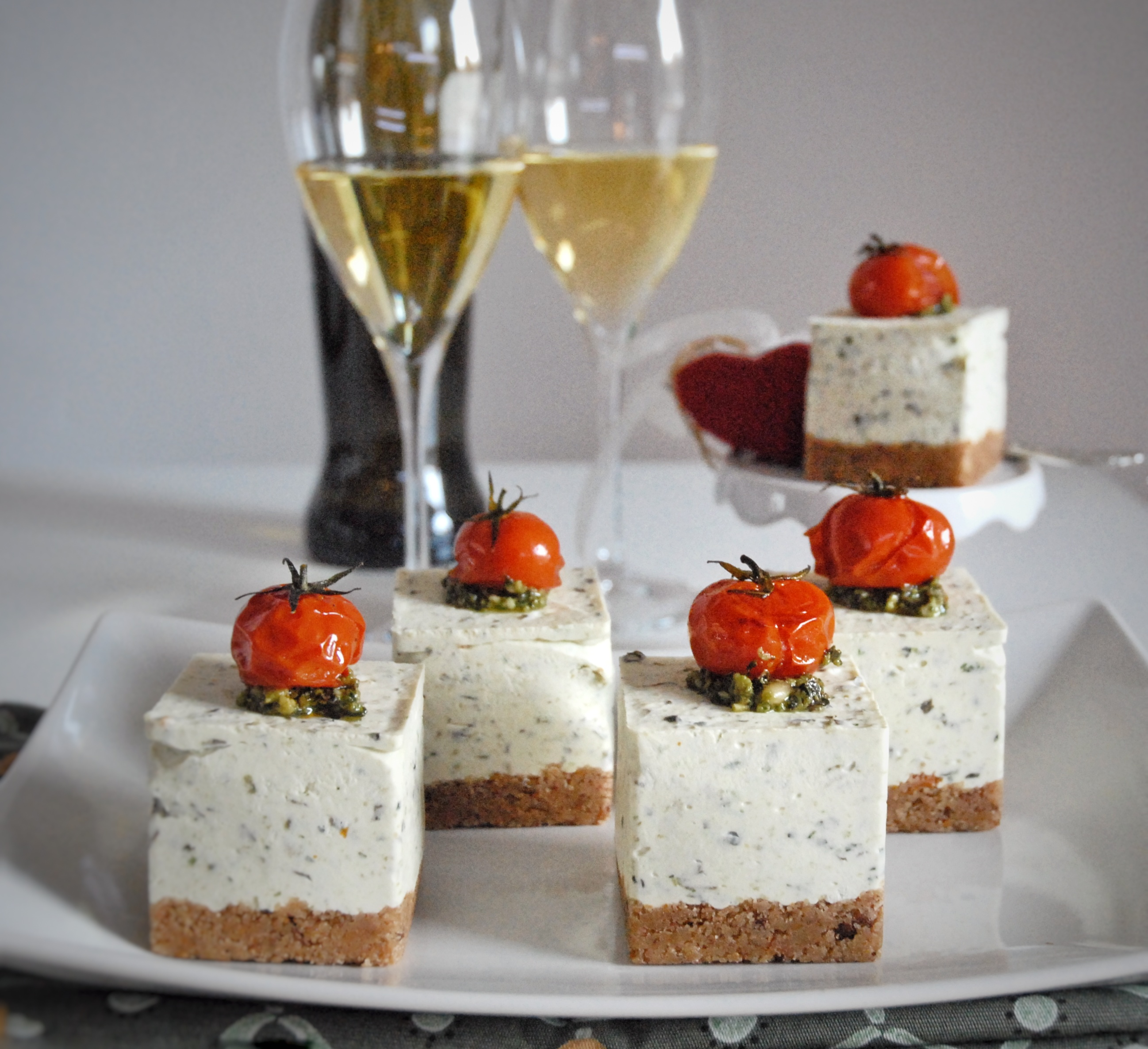 Cheesecake salate al pesto senza cottura