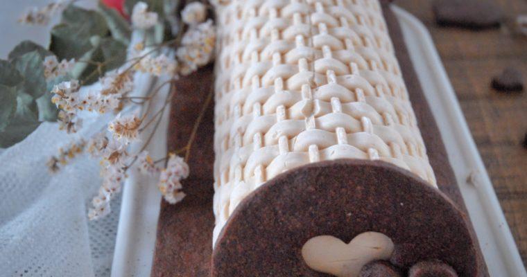 Tronchetto mousse alla nocciola con ganache fondente e frolla al cacao