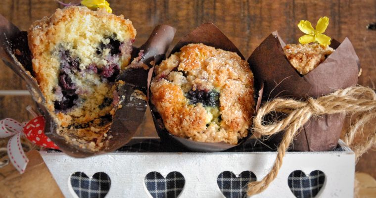 Muffin mirtilli e limone con crumble alla cannella