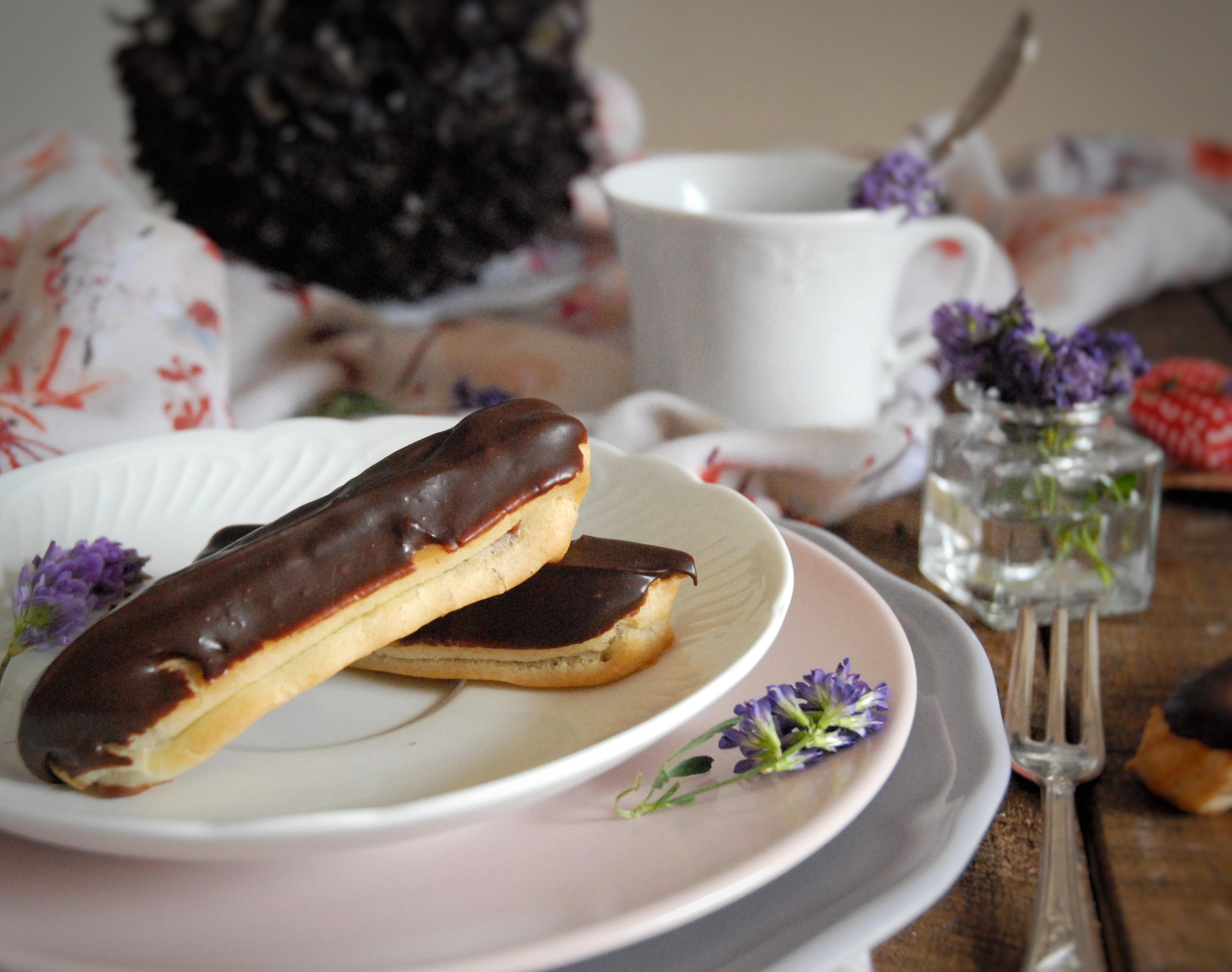 Éclair al cioccolato con glassa fondente