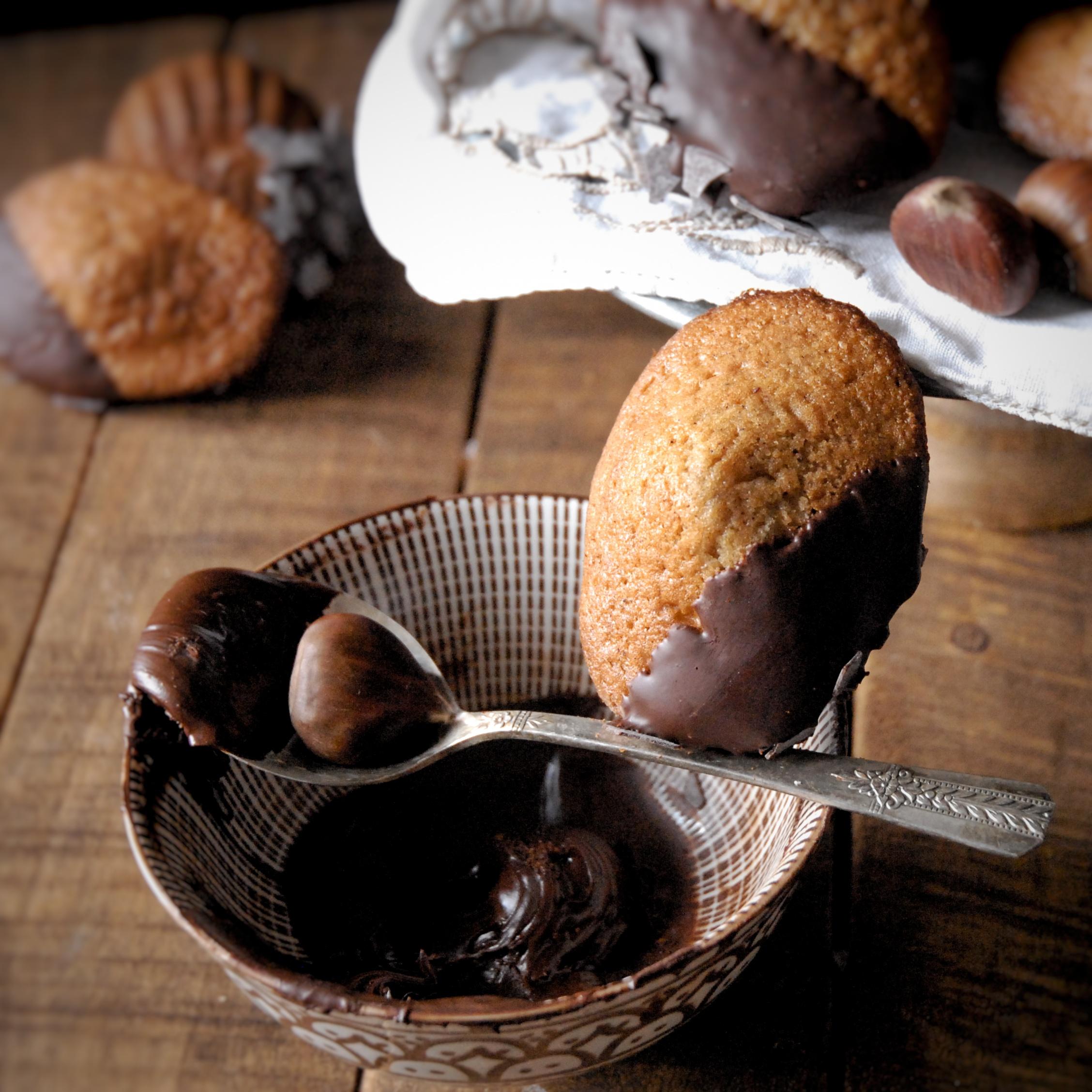 Madeleines alle castagne con cioccolato fondente