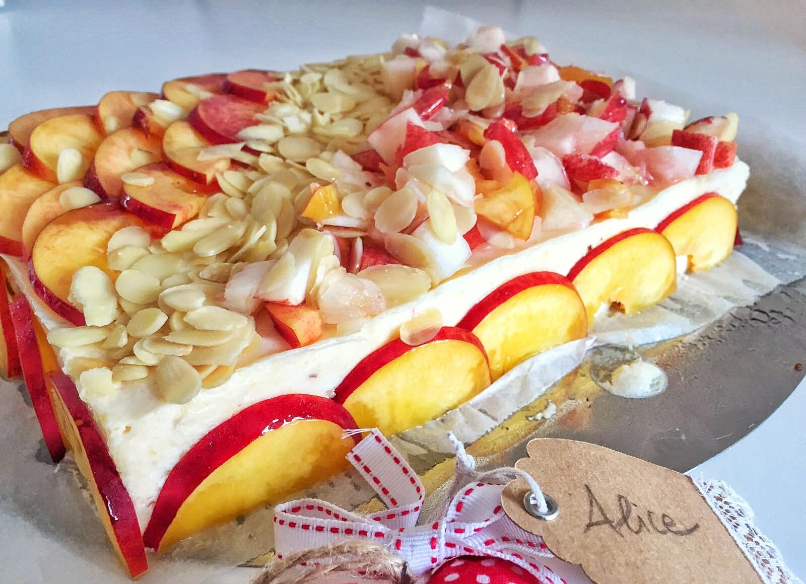 Torta semifreddo pesche e mandorle