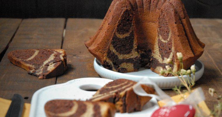 Ciambellone marmorizzato banana e cioccolato