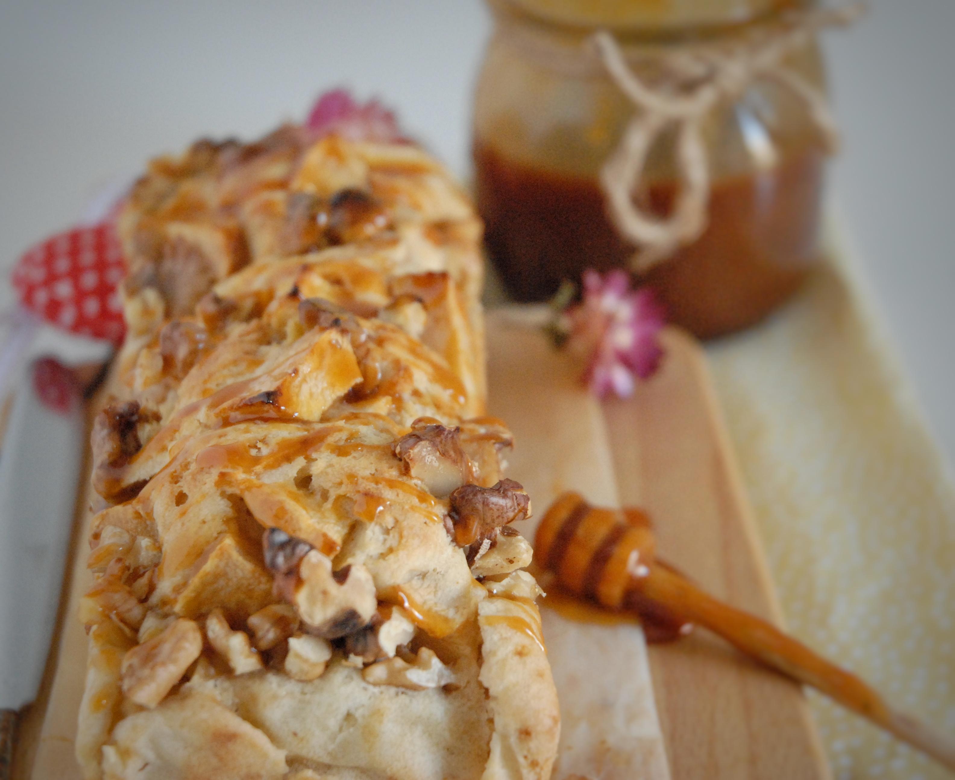 Plumcake di albumi con mele, noci e caramello