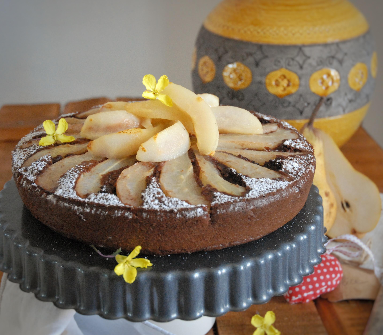 Torta rovesciata pere e cioccolato