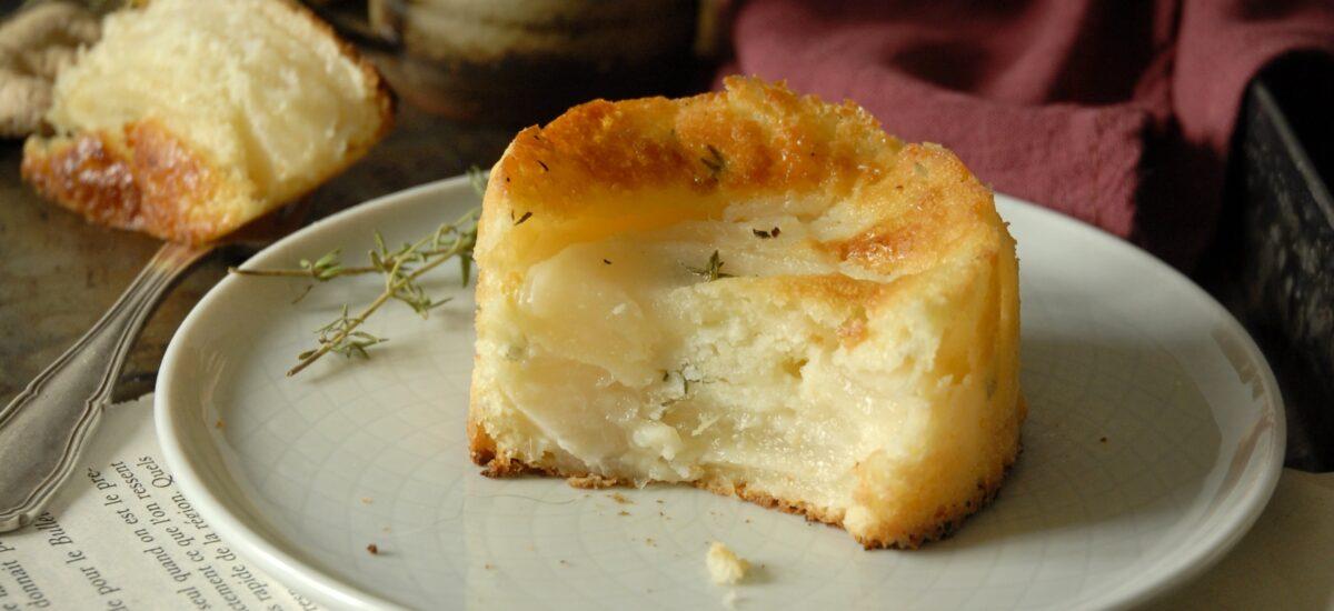 Torta invisibile di pere, zenzero e limone al profumo di timo
