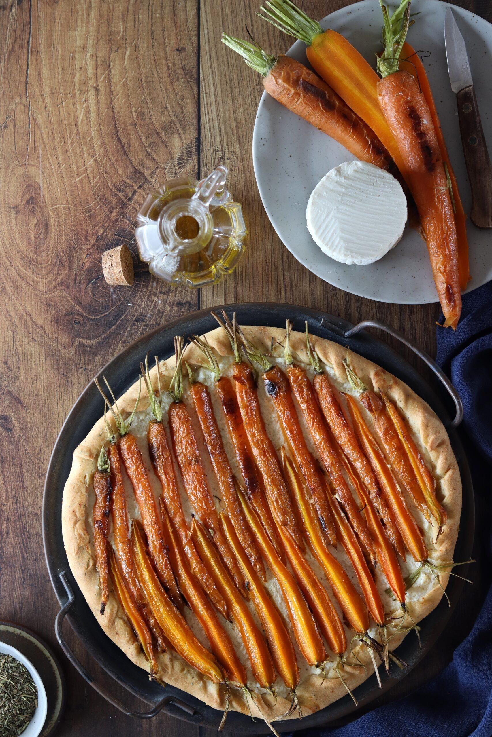 Galette da aperitivo con carote e ricotta salata
