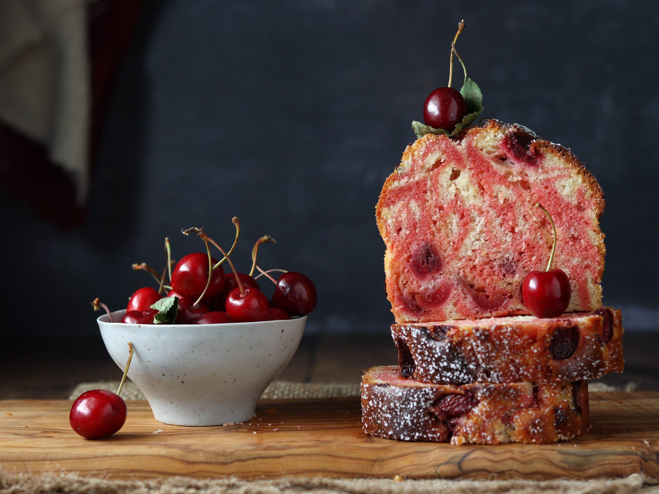 Plumcake variegato alla ciliegia