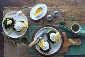 Uova alla benedict su english muffin
